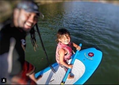Paddleboard family