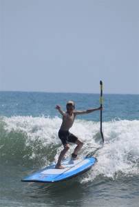 Surfing SUP